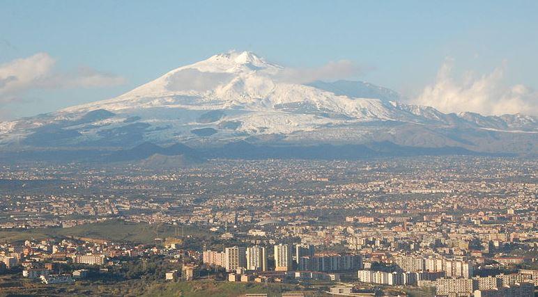 Volcanes en activo y tipos de erupciones volcanicas etna