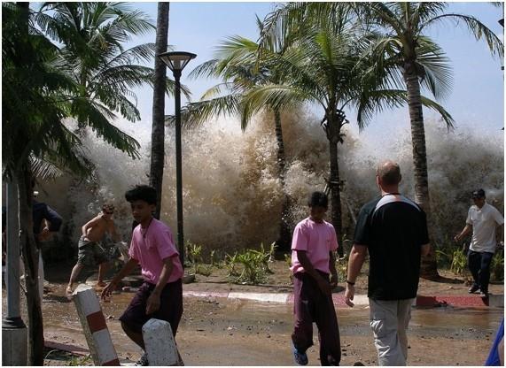ola de un tsunami