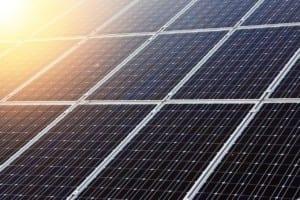 ¿Qué es la energía solar fotovoltaica y cómo se genera?